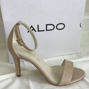Aldo Heels (Ibenama-u) in nude. 6.5M